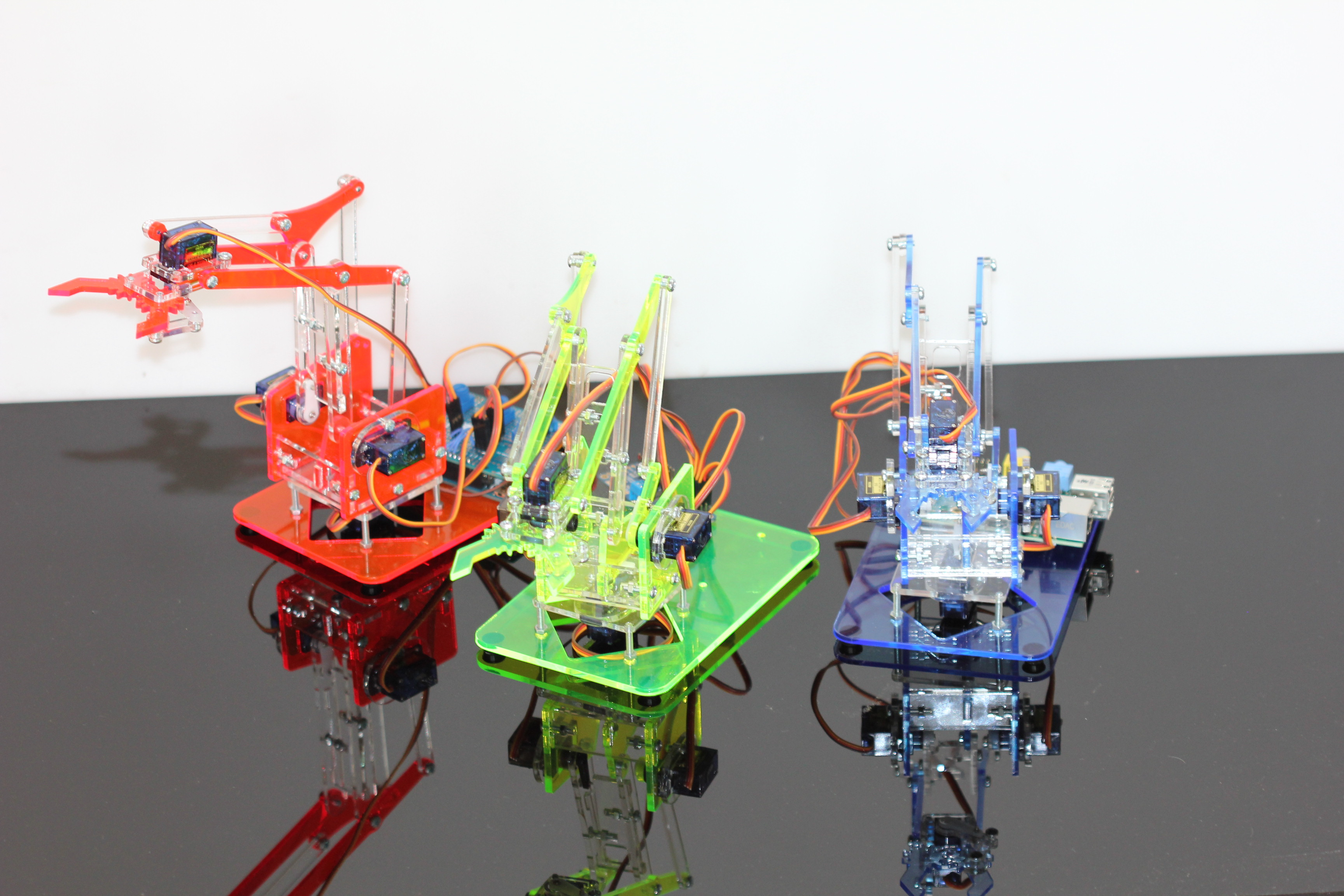 MeArm – build your own robotic arm – Liverpool MakeFest